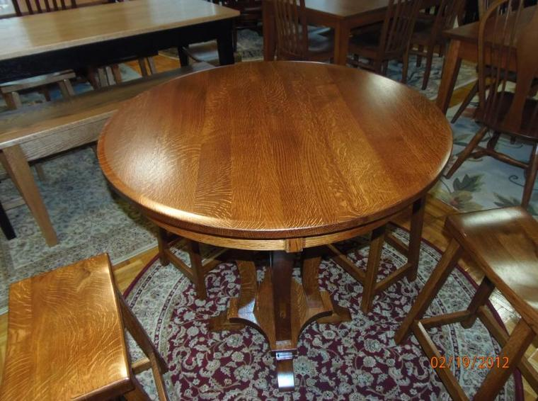 Pubtablesets for Rug furniture and mattress store
